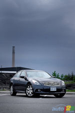 2011 Infiniti G37xS Review (video)