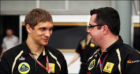 Vitaly Petrov and Eric Boullier, Lotus Renault. (Photo: Lotus Renault GP)