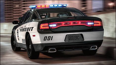 voitures de police la dodge charger pursuit 2012 domine actualit s automobile auto123. Black Bedroom Furniture Sets. Home Design Ideas