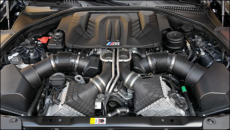 2013 BMW M5 engine
