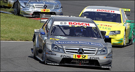 Bruno Spengler (Mercedes) devant Martin Tomczyk (Audi). (Photo: DTM)