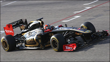 Robert Kubica au volant de la Lotus Renault R31. (Photo: WRi2)