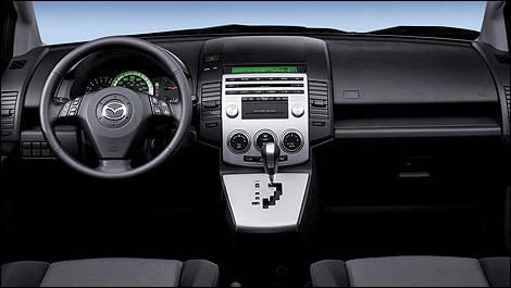 https://picolio.auto123.com/art-images/136807/Mazda-5-2007_i02.jpg