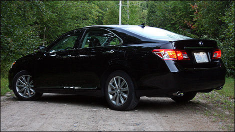 Lexus es 350 review 2011