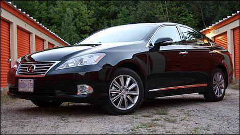 2011 Lexus ES 350 Front 3/4 View