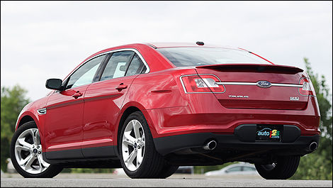 2011 ford taurus sho review editor 39 s review car news auto123. Black Bedroom Furniture Sets. Home Design Ideas