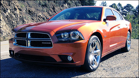 Dodge Charger 2011 vue 3/4 avant