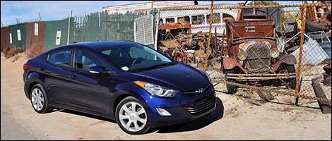 la hyundai elantra lue voiture canadienne de l 39 ann e 2012 actualit s automobile auto123. Black Bedroom Furniture Sets. Home Design Ideas