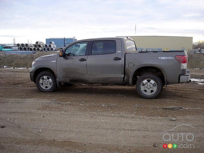 2012 Toyota Tundra 4x4 CrewMax SR5 5.7L | Car News | Auto123