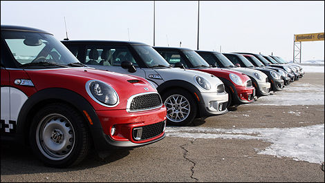2012 MINI Cooper S Countryman ALL4 front 3/4 view