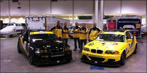 Les deux BMW 330i de 8Legs Racing (Photo: 8Legs Racing)