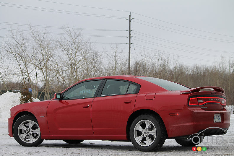 2012 dodge charger r t car news auto123. Cars Review. Best American Auto & Cars Review