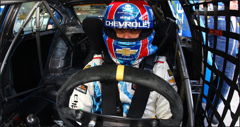 Au volant de la Chevrolet Cruze (Photo: WTCC)