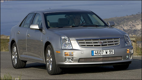 2005 Cadillac STS front 3/4 view