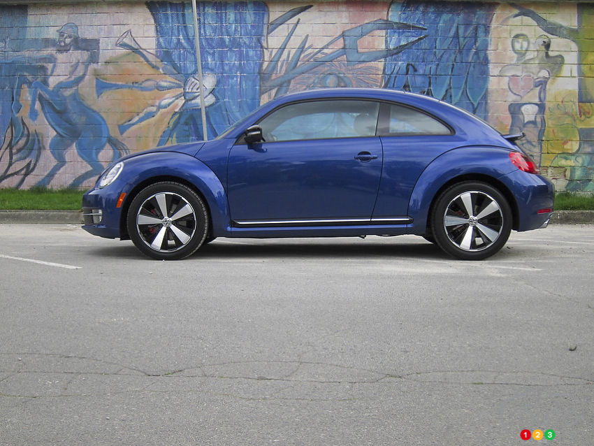 2012 volkswagen beetle sportline car news auto123. Black Bedroom Furniture Sets. Home Design Ideas