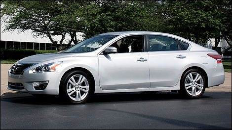 2013 Nissan Altima Left Side View. The Highway Fuel Economy ...