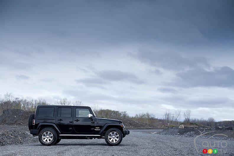 jeep wrangler unlimited sahara 2012 essais routiers auto123. Black Bedroom Furniture Sets. Home Design Ideas