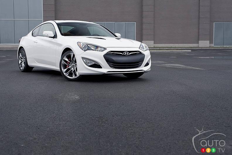 Review Highlights. 2013 Hyundai Genesis ...