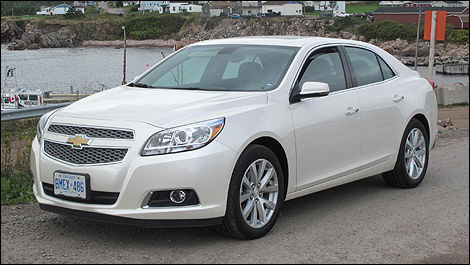2013 Chevrolet Malibu front 3/4 view