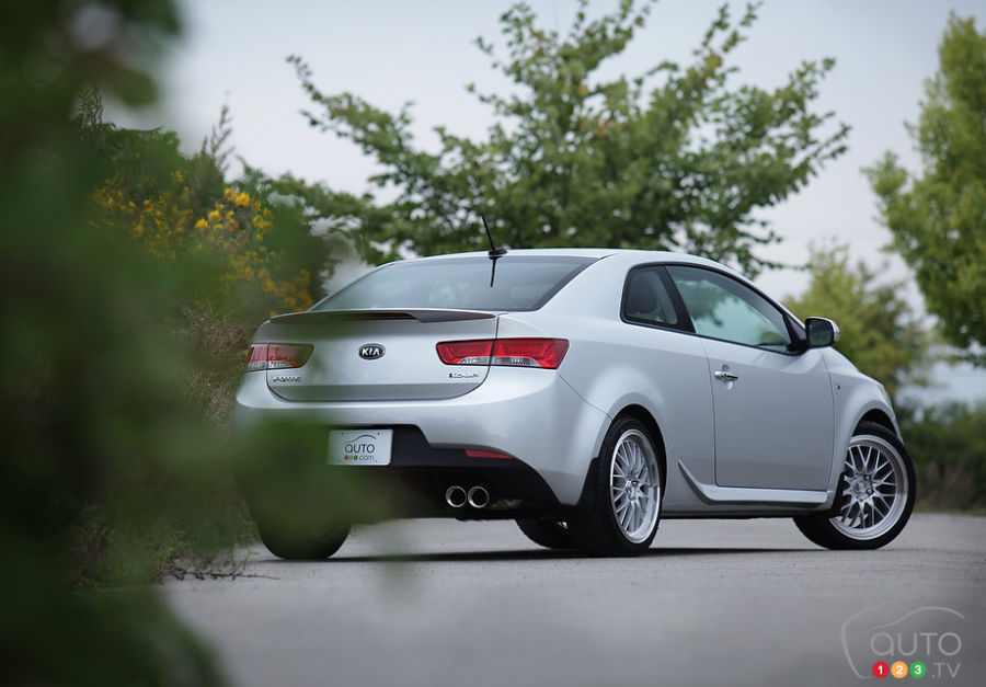2012 kia forte koup sx luxury car reviews auto123. Black Bedroom Furniture Sets. Home Design Ideas