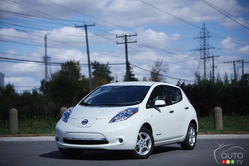 2012 nissan leaf sl car news auto123. Black Bedroom Furniture Sets. Home Design Ideas
