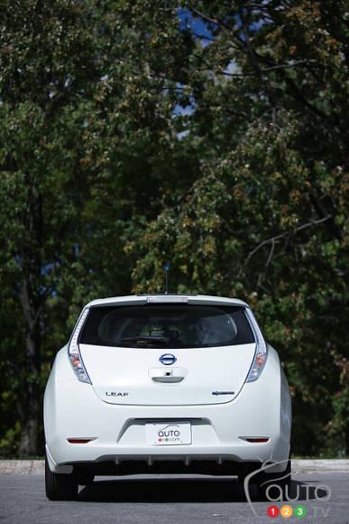 2012 nissan leaf sl car reviews auto123. Black Bedroom Furniture Sets. Home Design Ideas