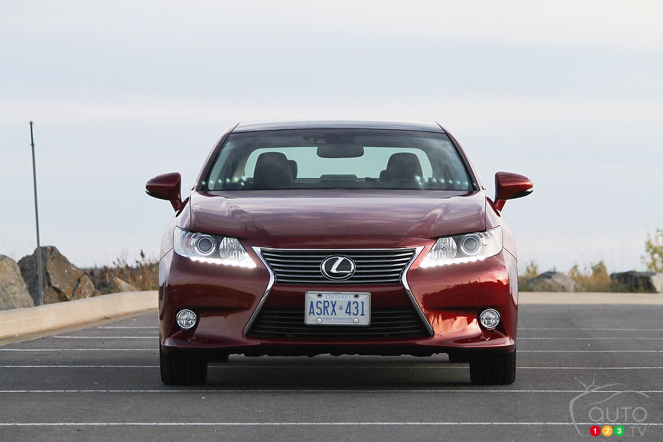 2013 lexus es 350 review editor 39 s review car news auto123. Black Bedroom Furniture Sets. Home Design Ideas