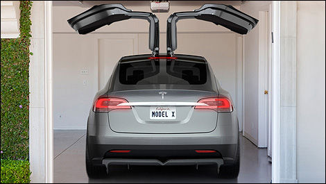 2014 Tesla Model X rear view
