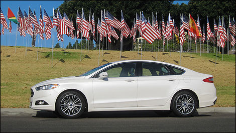 2013Ford Fusion side view