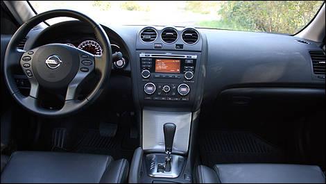 2012 nissan altima 2.5 s interior