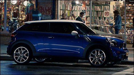 2013 MINI Cooper Paceman side view