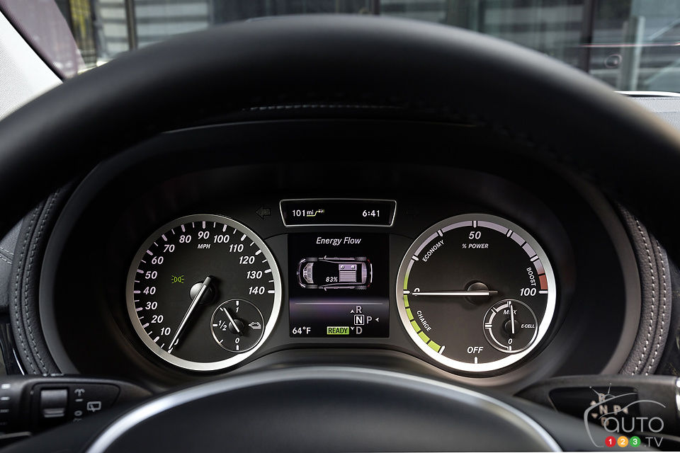 La Mercedes-Benz Classe B 2014 Electric Drive à New York Mercedes-ClasseB-2014-Elec-08