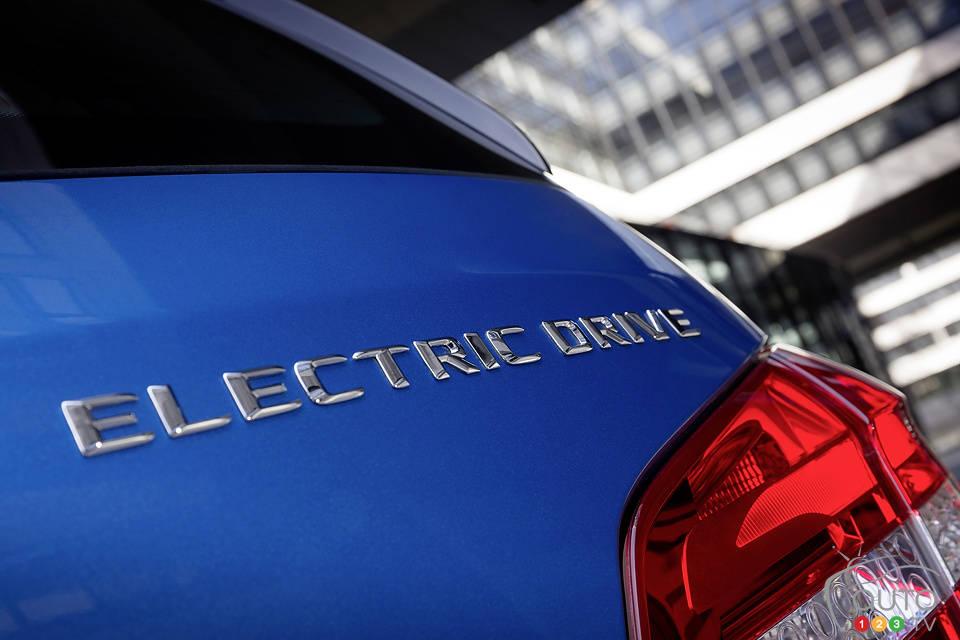 La Mercedes-Benz Classe B 2014 Electric Drive à New York Mercedes-ClasseB-2014-Elec-09