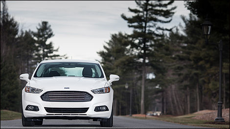 Ford Fusion hybride 2013 vue avant