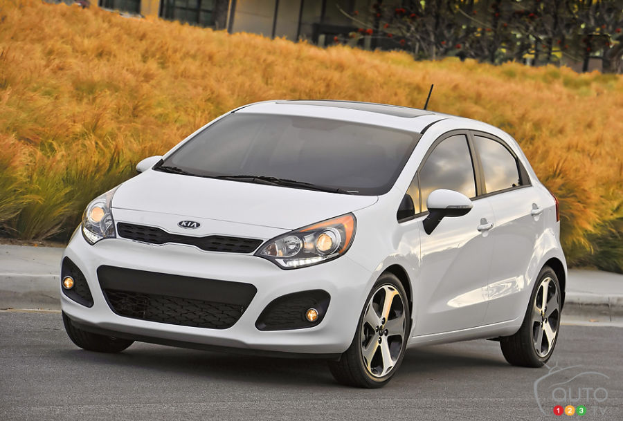 kia rio 5 portes 2013 aper u actualit s automobile. Black Bedroom Furniture Sets. Home Design Ideas