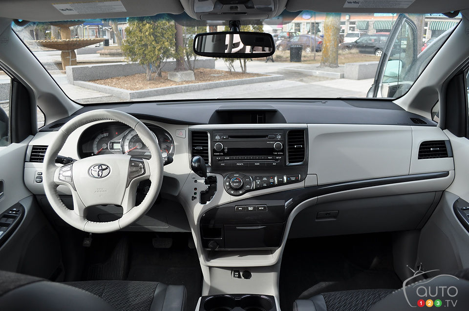 Lovely Review Highlights. 2013 Toyota Sienna ...