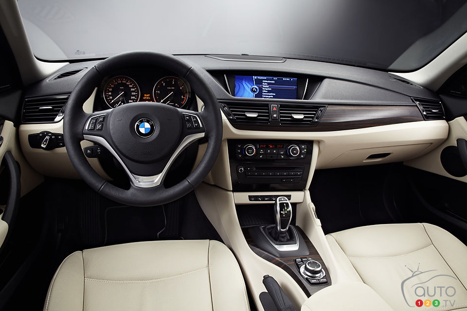 2013 BMW X1 xDrive 35i  Car Reviews  Auto123