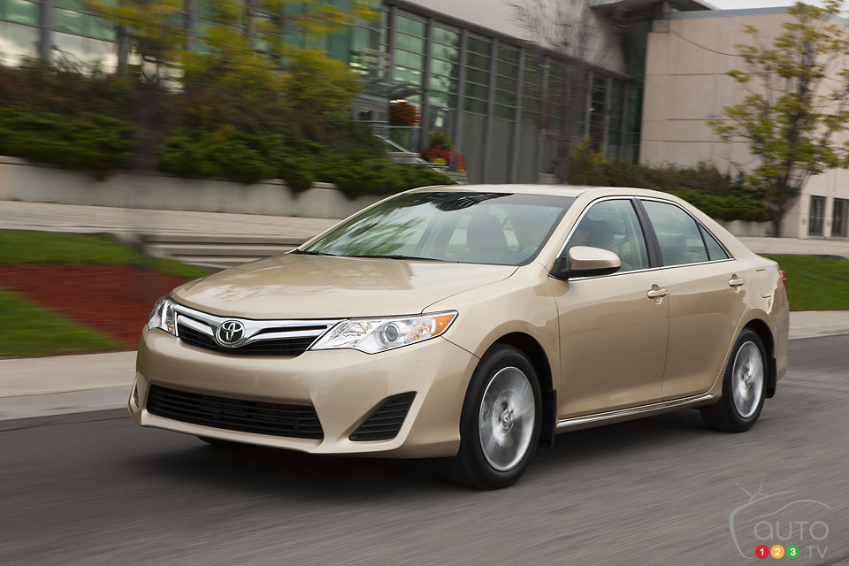 Review Highlights. 2013 Toyota Camry LE