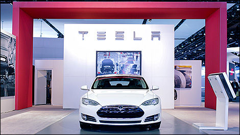Tesla Model S vue de face