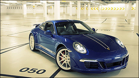 Porsche 911 Carrera 4S special edition 3/4 view