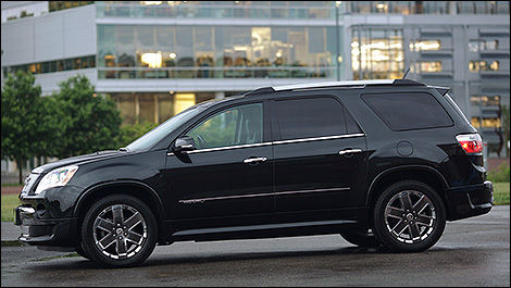 2011 GMC Acadia Denali side view