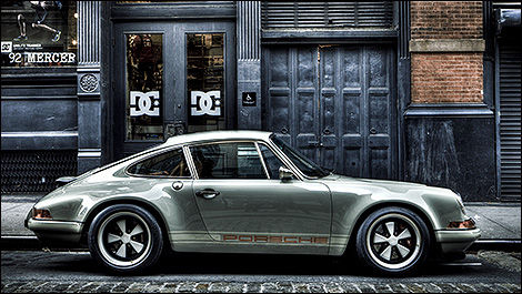 Singer Porsche 911 side view