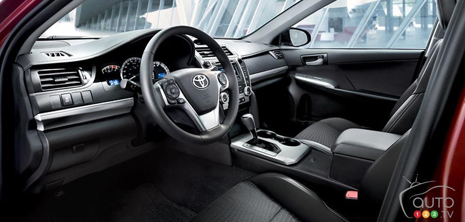 2014 Toyota Camry: Starting At $23,700 | Car News | Auto123