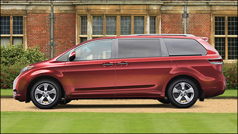 2014 Toyota Sienna side view