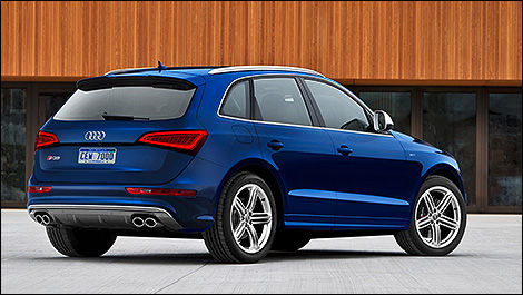 2014 Audi SQ5 rear 3/4 view