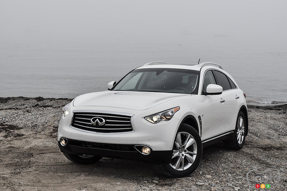 2014 Infiniti Qx70 Review Editors Review Car Reviews Auto123
