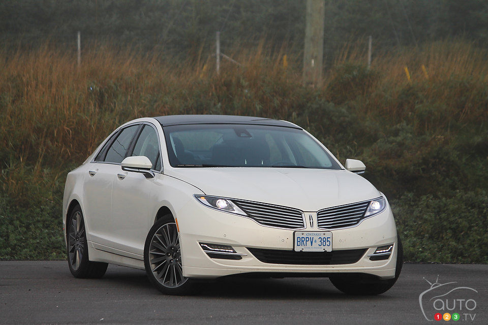 2013 lincoln mkz hybrid review editor 39 s review car reviews auto123. Black Bedroom Furniture Sets. Home Design Ideas