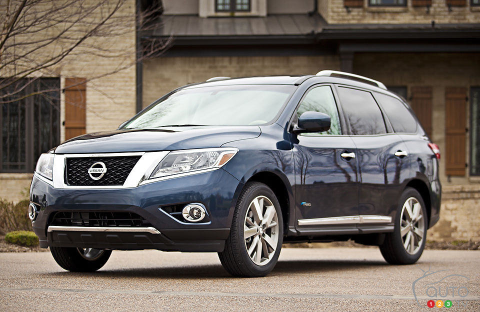 2014 Nissan Pathfinder Hybrid Platinum Premium Review
