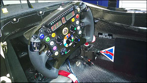F1 Lotus E22 steering wheel