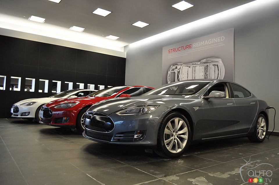 tesla model s 2014 essai routier essai routier essais routiers auto123. Black Bedroom Furniture Sets. Home Design Ideas